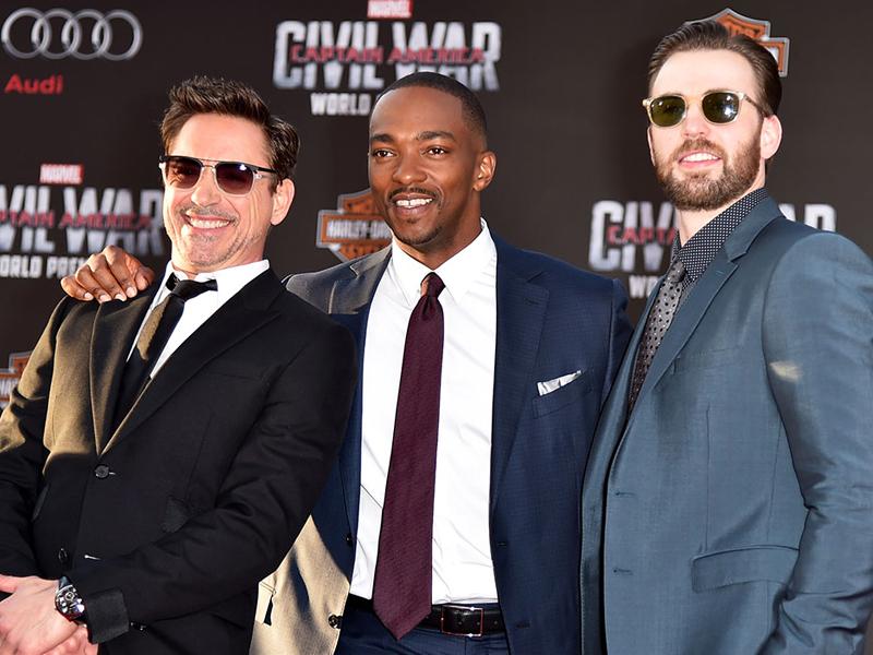 Robert_Downey_Jr_Captain_America_Civil_War_Police_Sunglasses